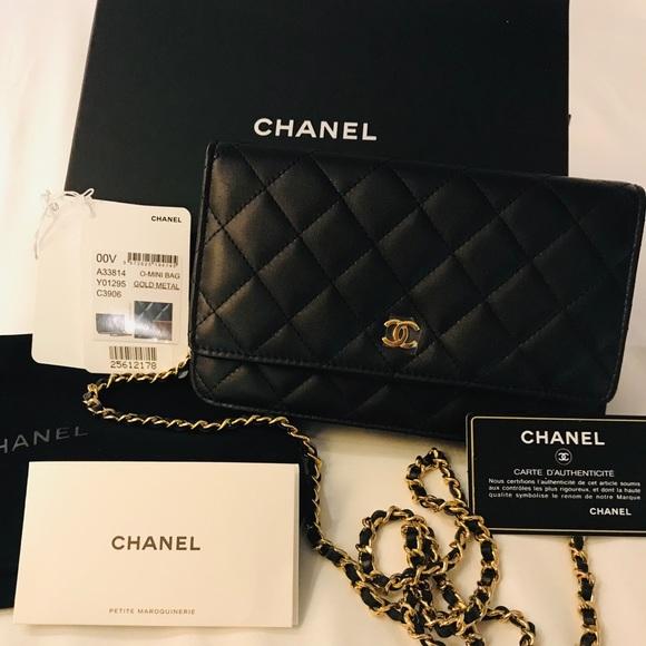 Chanel 2019 WOC - black & gold chain